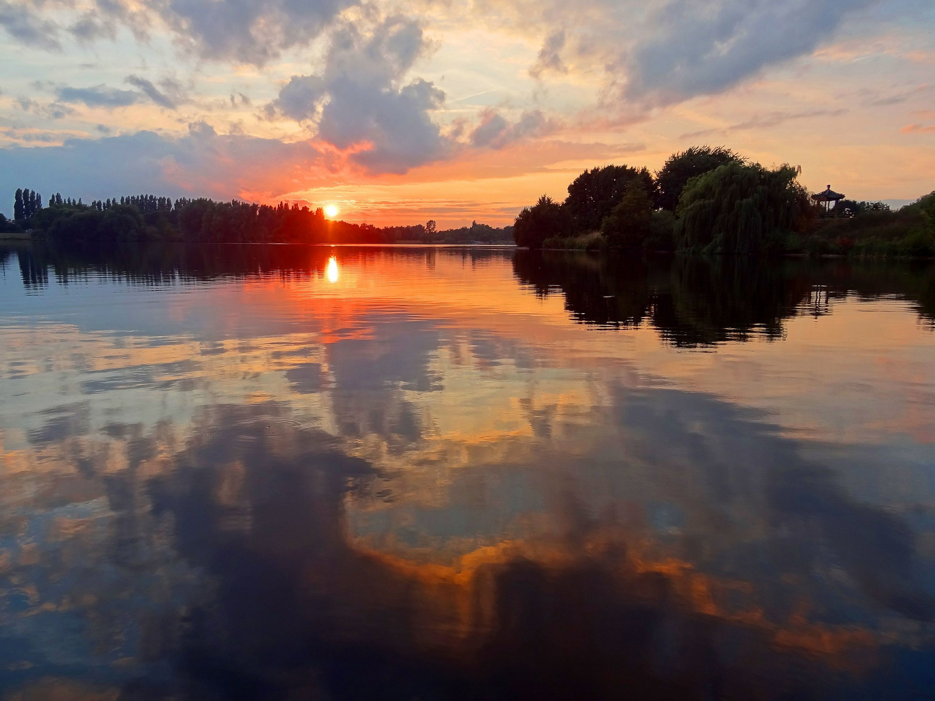sunset-549677_1920