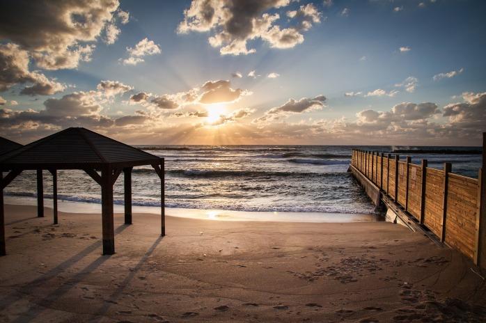 beach-2253325_1920
